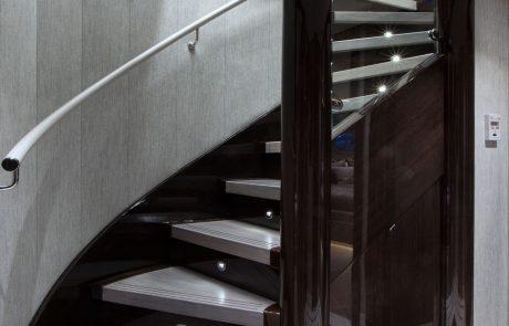 Westport W130 - 40m   Tri-Deck   Foyer