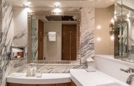 Westport W112   34m Raised Pilothouse   Master Suite Bath