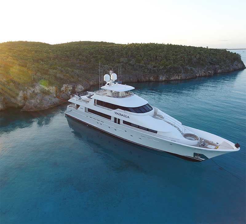 Charter the Bahamas